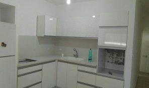 במרכז רעננה דירת 5 חדרים עם מרפסת שמש במחיר שווה