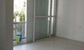 דירת 4.5 במרכז רעננה עם מרפסת שמש