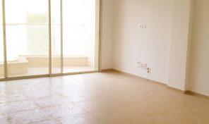 """דירת גן 4 חדרים יפהפיה עם גינה של 130 מ""""ר"""