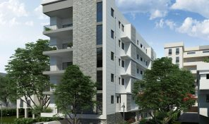 במרכז רעננה ברחוב מבוקש דירת 6 חדרים ענקית.